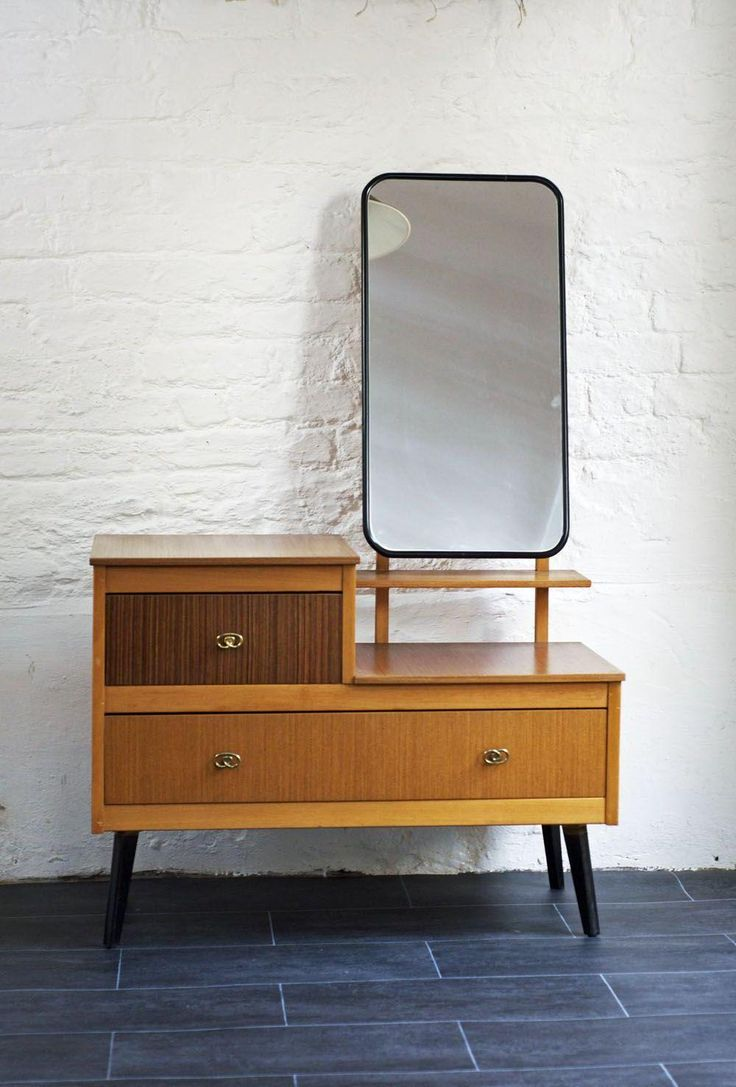 Classic Bedroom Decor Using Mid Century Retro Fascinating Dressing Table  Design With Light Brown Varnish And. Best 25  Minimalist dressing tables ideas on Pinterest   Ikea