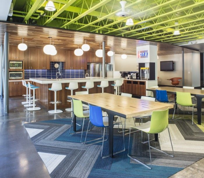 10 Small House Designs That Break Preconceptions About Small Size: Best 25+ Office Break Room Ideas On Pinterest
