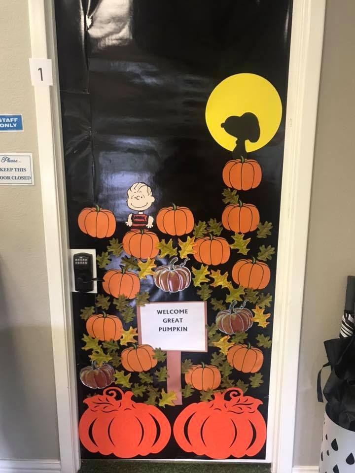 Charlie Brown Halloween Door Decorations  from i.pinimg.com
