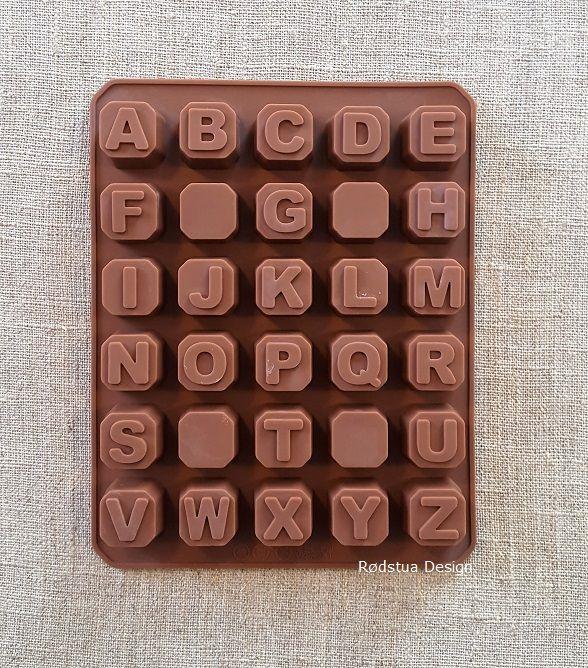 Sjokoladebokstaver til kaken? Eller støp bokstaver i gips og bruk det i hobbyprosjekt.