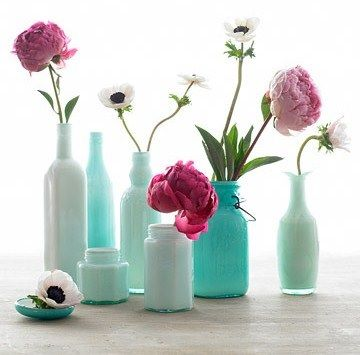 Old Bottles or Jars Look amazing sprayed up in your favourite Colours - If you wish to create cluster of vases pick the one colour  in different shades like these Blues