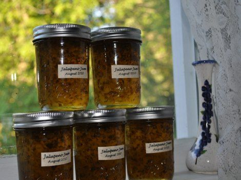 Homemade Jalapeno Jelly Recipe   Add some to your life with this delicious homemade jalapeno jelly. Store some jelly for yourself and gift the other jars.