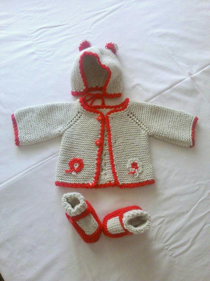 #baby  knit bootte #baby knit cardigan #babyweskit #baby beanie  # ponpon #cute # bebek  beresi # örgü patik #bebek patigi #bebek örgü takımı