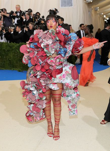 "Rihanna Photos Photos - Rihanna attends the ""Rei Kawakubo/Comme des Garcons: Art Of The In-Between"" Costume Institute Gala at Metropolitan Museum of Art on May 1, 2017 in New York City. - ""Rei Kawakubo/Comme des Garcons: Art of the In-Between"" Costume Institute Gala - Arrivals"
