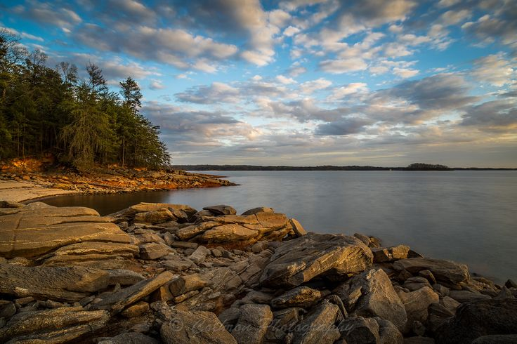 https://flic.kr/p/TkJsaV | Rocky Shores at Mountain View Park | Image taken late afternoon at Mountain View Park on Lake Lanier.  Mountain View Park is located near Gainesville, GA on Lake Lanier.  When the water is low, it is one of my most favorite places to shoot Lanier.  It is quite popular with local bank fisherman as it has a nice secluded beach area from which to fish.    If you are interested in licensing any of my images, please feel free to contact me via email.  TECHNICAL…