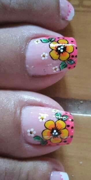 Flores en uñas
