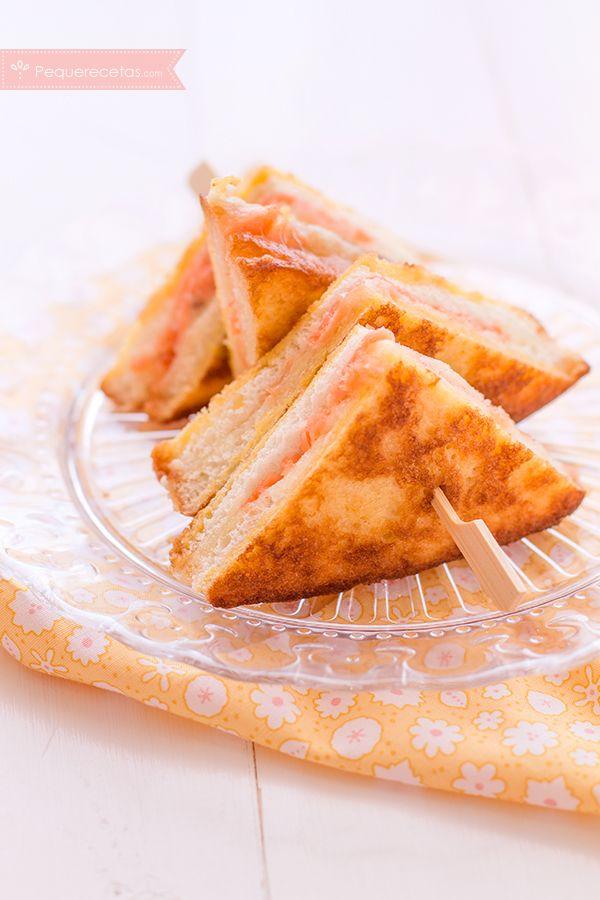 Emparedados de mozzarella y salmón