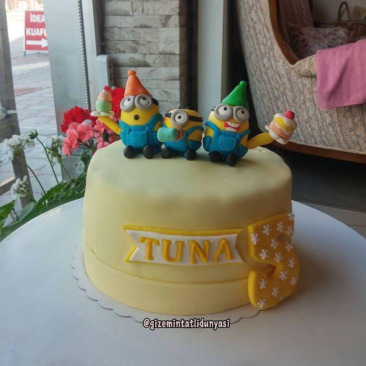 """78 Beğenme, 2 Yorum - Instagram'da Butik Pasta / Kurabiye🍪🍰 (@gizemintatlidunyasi): """"Tuna 5 yaşında 🎉🎊 #minioncake #minionpasta #despicableme"""""""