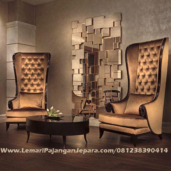 Jual Model Sofa Terbaru Tanganan Lengkung merupakan Produk Mebel asli dari Jepara dengan Desain Terbaru Kursi Tamu Minimalis Jok Warna Emas Yang cantik