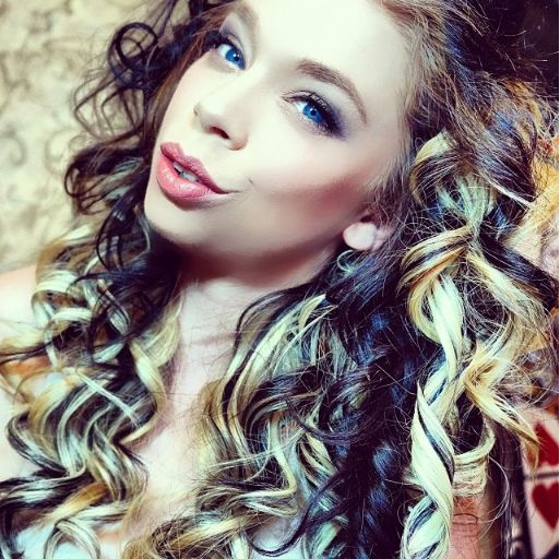 Grav3yardgirl Curly Hair- Might be doing this to my hir