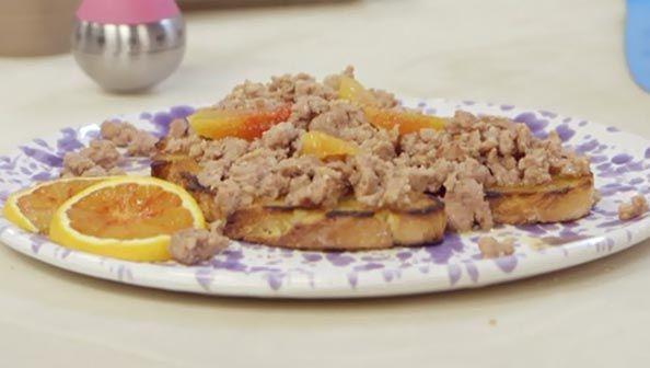 Bruschette con salsiccia all'arancia - Molto Bene