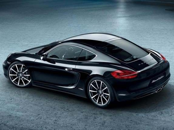 With the upcoming year arrives the 2016 Porsche Cayman. The new release of the Cayman model is going to be minor facelift for the car as Porsche is used to