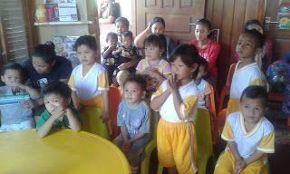 PAUD BUNGA MATAHARI: Gli insegnanti, con i nuovi obiettivi, per educare...