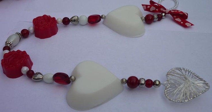 A large soap chain in red and white