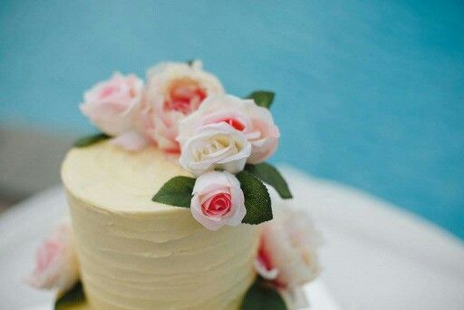 Wedding cake by Junior Malupo