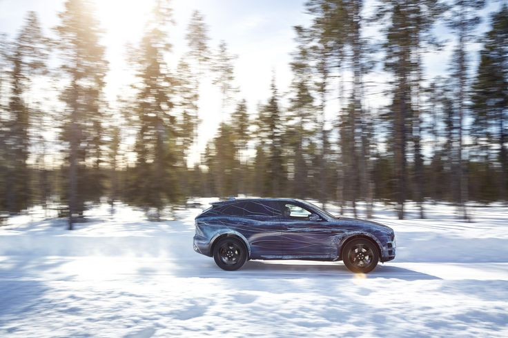 Jaguar FPACE Cold Weather Test
