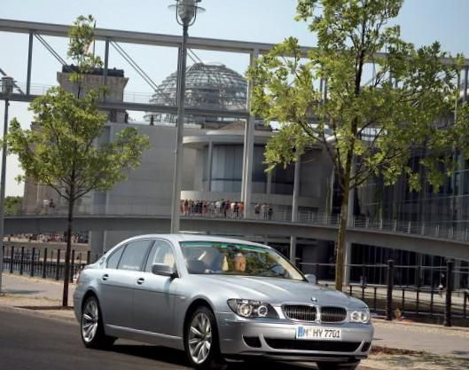7 Series (F01) BMW approved - http://autotras.com