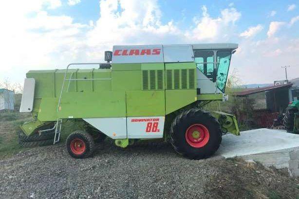 Combina de recolt cereal marca CLAAS DOMINATOR 88S ,masa 4,5 metri ,cl