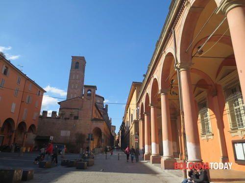 Romagna: #Bagni pubblici e libri darte la nuova sfida di piazza Verdi ...