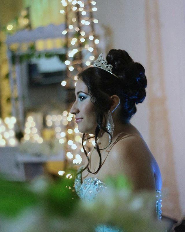 """#bride #womansbride  #like #likefourlike # # followers  #follow4follow  #instamoment  #novia  #makeupbride  #mac #dior #followme #followback #wedding #weddingdress  #weddingphotography  #weddinginspiration #bucaramanga  #colombia  Gracias  por la confianza  felices 15 princesa"" by @alejo_makeup."