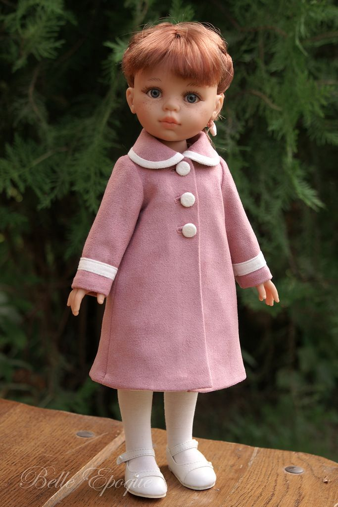Coat for Paola Reina doll