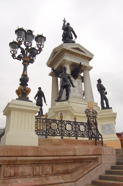 Monumento a los Heroes for Arturo Prat and other Chilean war heroes in Plaza Sotomayor, Valparaiso, Chile
