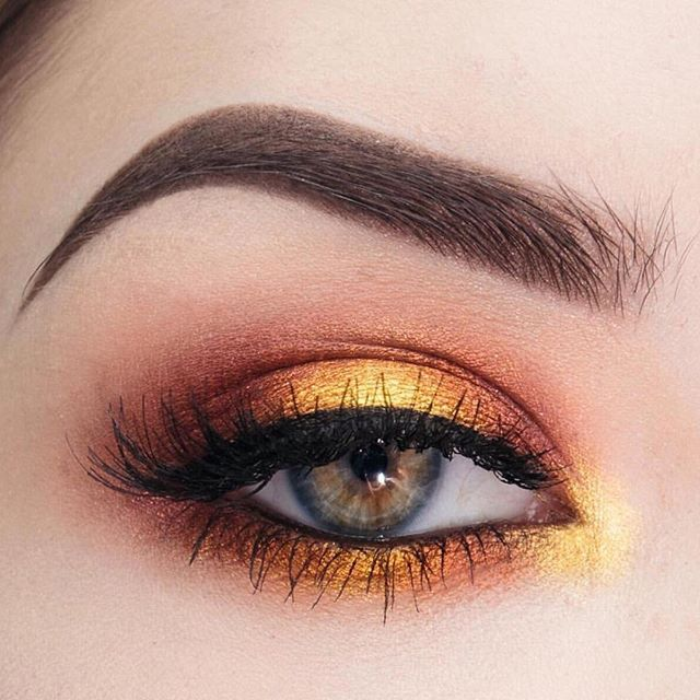 We see @laura.beth.wilkerson's halo!  To create this seriously gorgeous look, she used these Makeup Geek Eyeshadows:  Vanilla Bean  Peach Smoothie  Morocco  Bitten  Showtime  Flame Thrower  Untamed  Fortune Teller  Voltage