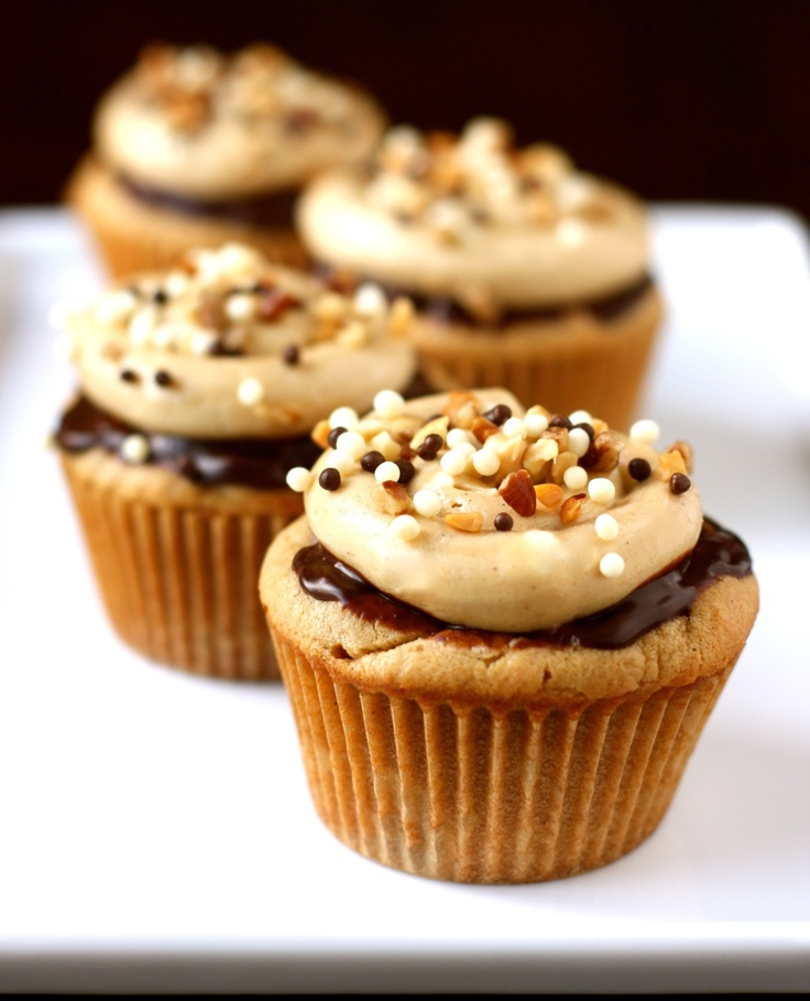 peanut butter cupcakes with chocolate ganache and peanut butter buttercream « daisy's world