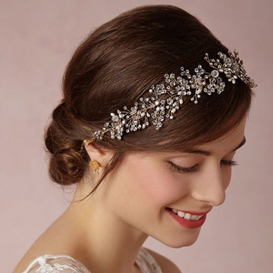 - Crystal & pearl inlay - Ribbon secures the hair accessory