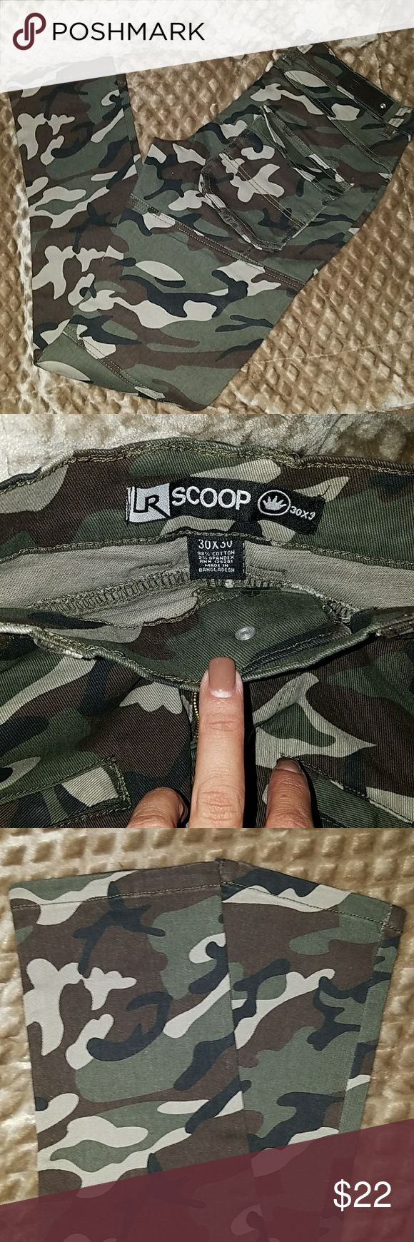 Skinny Cargo camoflauge pants Brand new pair of camoflauge cargo pants. Jeans Skinny