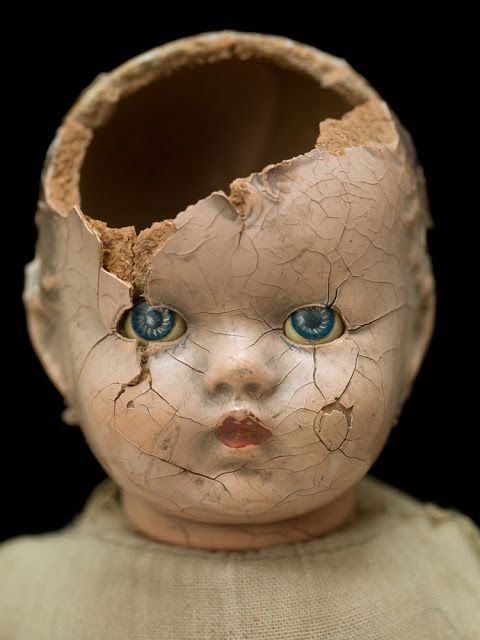 this isn't happiness™ (Doll face), Peteski