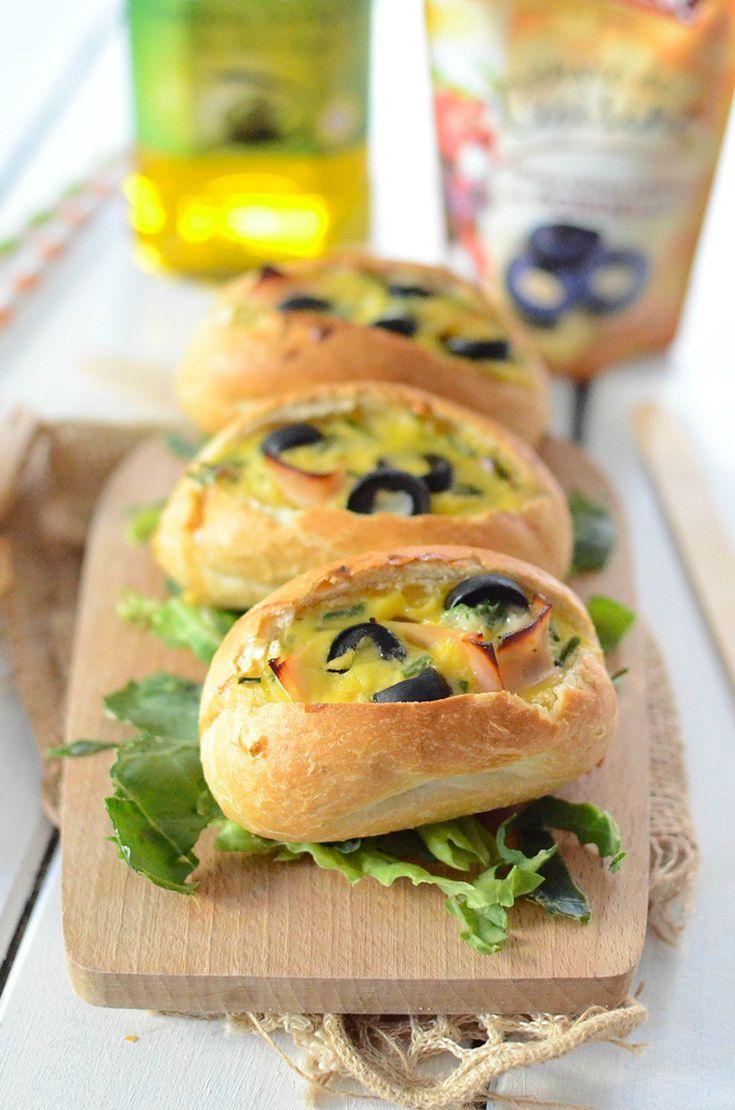 Des minis baguettes farcies parfaites pour un pique-nique gourmand :)   #oeufs #jambon #poulet #ciboulette #emmental #olives #Tramier #pique-nique