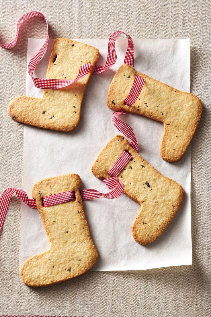 Le calze della Befana (Traditional Italian Epiphany cookies-socks)