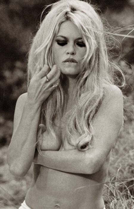 Brigitte Bardot: in the dazzling sixties, her georgeous provacative look is timeless.