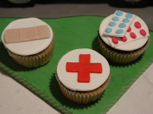 Cupcakes Motiv Rotes Kreuz