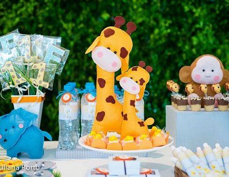 cumpleaños de 1 año en el zoo para niños