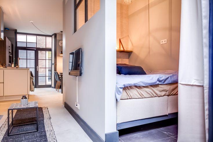 Een kijkje in drie kleine, stijlvolle appartementen in Den Haag - Roomed