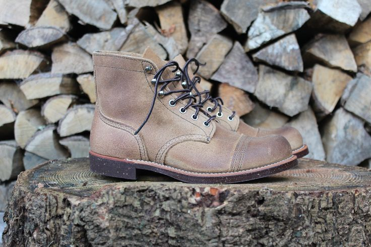 RED WING SHOES 8113 Iron Ranger Hawthorne Muleskinner The Red Wing Shoes Iron Ranger 8113 Hawthorne Muleskinner is a classic Red Wing Shoes 6-inch Round work shoe and is made in Red Wing, Minnesota. The Red Wing Shoes Iron Ranger 8113 style is inspired by the Mesabi Iron Range in Northern Minnesota, a rugged area…