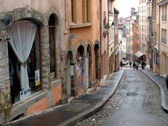 Pentes de la Croix Rousse à Lyon (France) #ONLYLYON