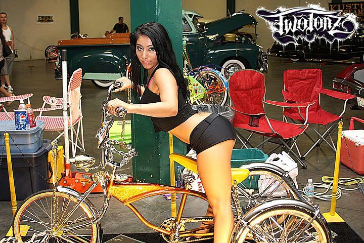 Bikini Car Wash..! Sep 21st 2008 Plus Topless