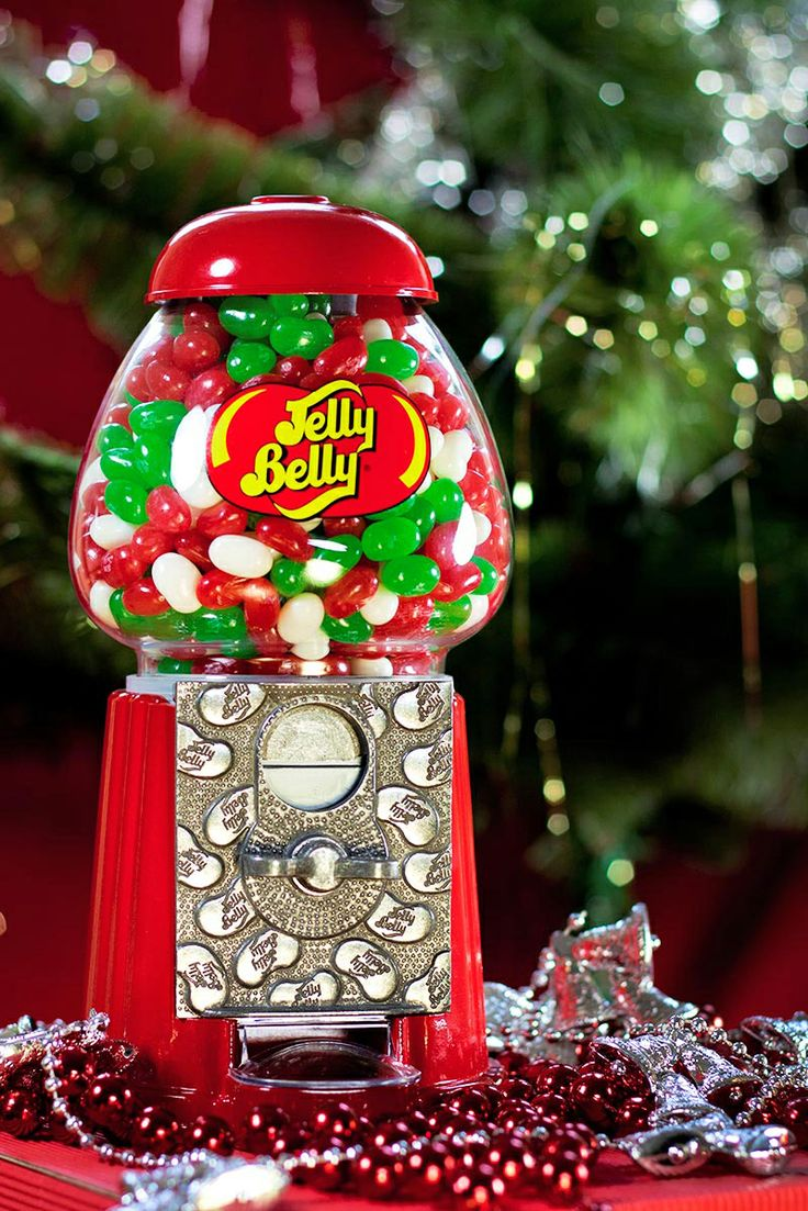 The Jelly Belly Mini Bean Machine is a classic gift. Fill it with the Christmas Mix of Jelly Belly jelly beans (Green Apple, Very Cherry, Red Apple, and Coconut) for a festive present this season.