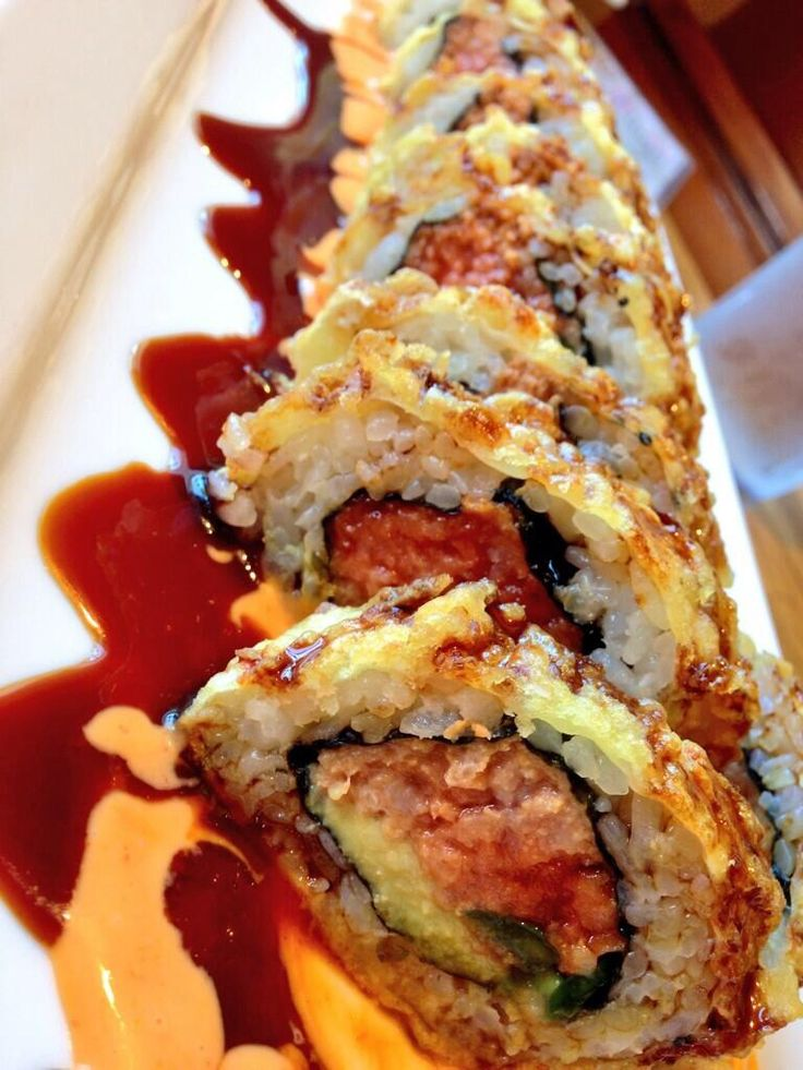 SPICY CRISPY ROLL  Spicy tuna Jalapeño Avocado Seaweed & soy paper CRISPY FRIED Eel sauce  Smoky spiced mayo