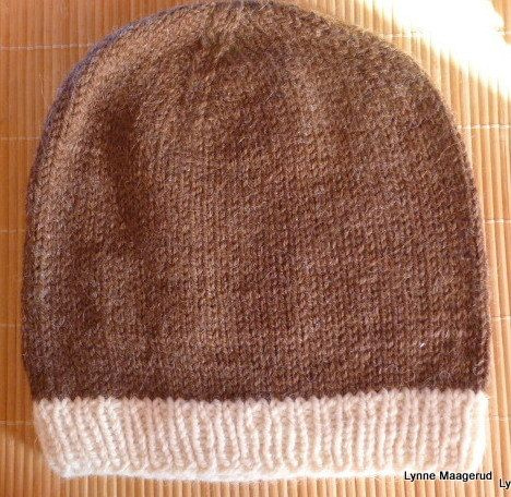 Handknitted brown and white hat in wool and alpacka by LynnesEbooks on Etsy