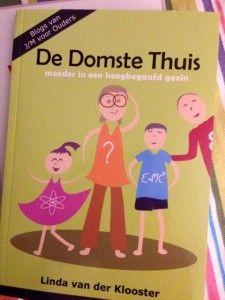 Boekrecensie op Samplicity:  'De Domste Thuis – moeder in een hoogbegaafd gezin'.