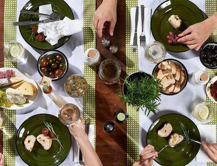 Was gibt es Schöneres als ein ausgiebiges, gemütliches Essen mit der Familie? #toscana #garden