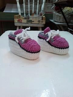 Crocheted pink and white Baby Boots Baby by stellaknittingshop