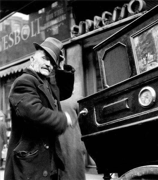 1957. Verklis a Váci utcában. (Friedmann Endre képe)