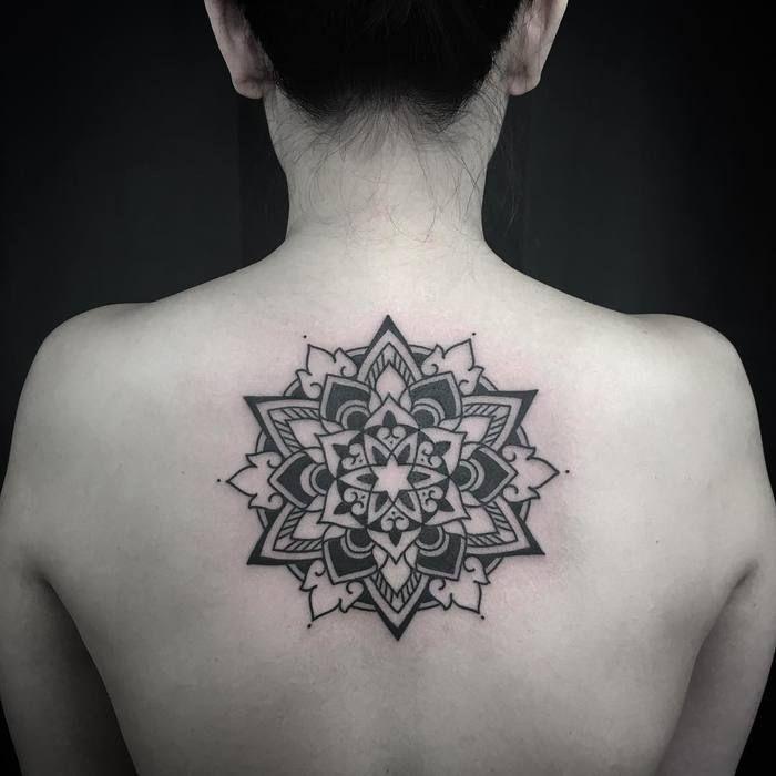 25 Best Ideas About Mandala Tattoo Back On Pinterest: 17 Best Ideas About Mandala Tattoo Back On Pinterest
