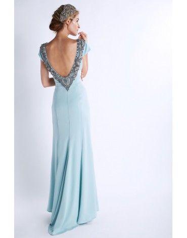 4222e96f8 Matilde Cano vestido largo color verde agua con pedreria en escote de  espalda. Detalle de