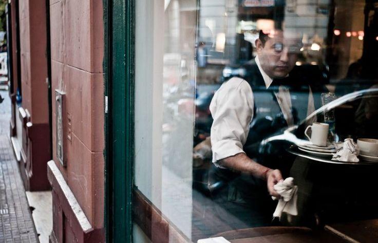 Οι σερβιτόροι δεν είναι δούλοι | Pillowfights.gr